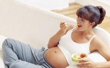 mang thai giai đoạn đầu nên ăn gì
