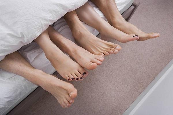 Xuất hiện ra khí hư màu nâu do quan hệ tình dục không an toàn